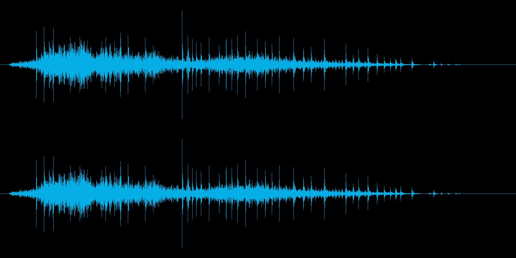 弓をひく効果音(木製、弓矢、きしみ等)3の再生済みの波形