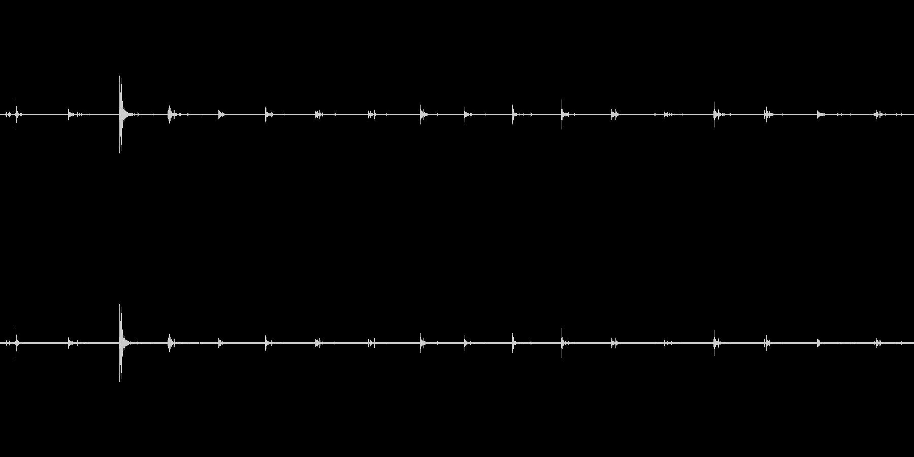 【生音】足音 - スニーカー 01の未再生の波形
