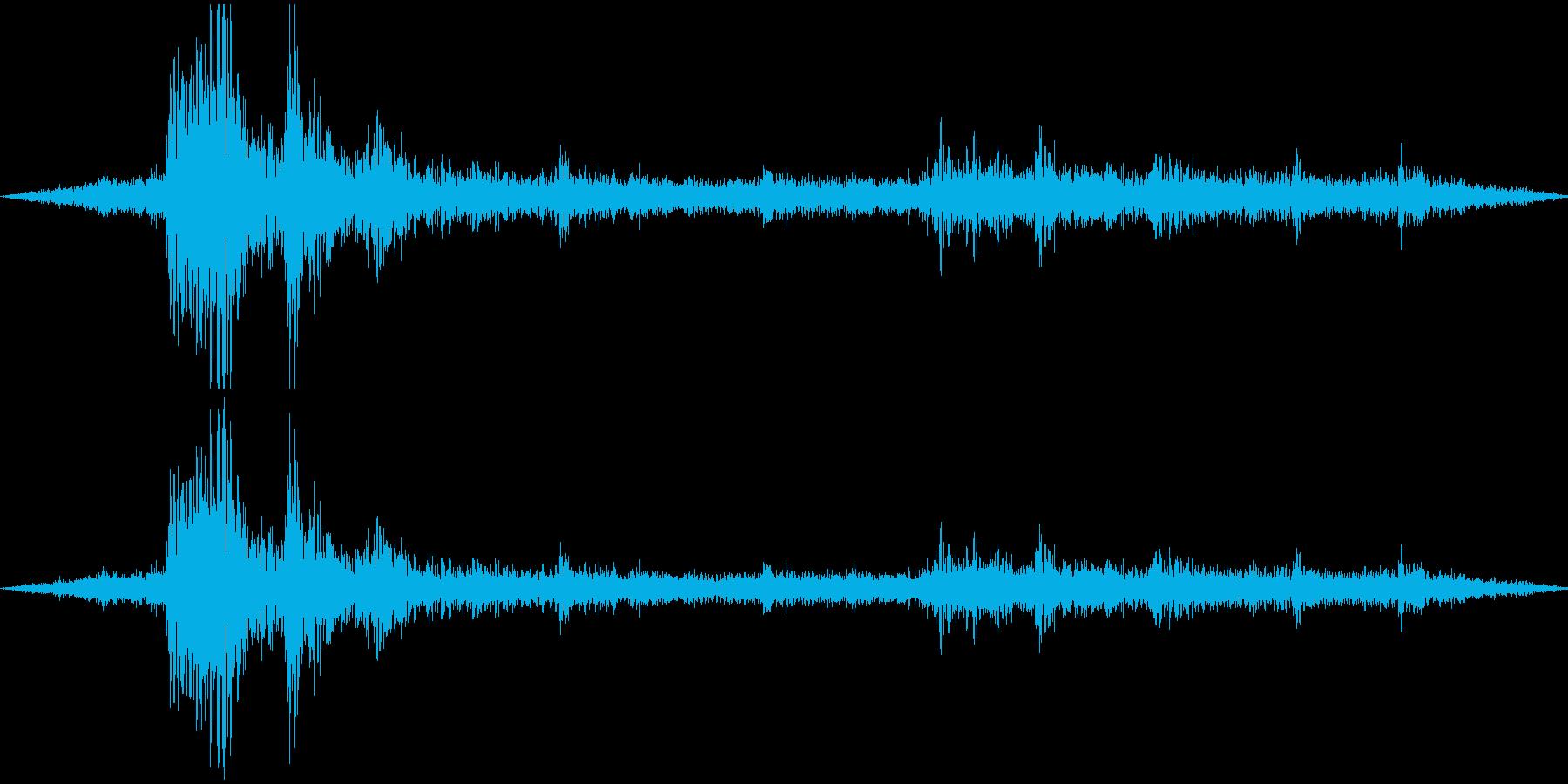 ゴロゴロ、ザーザーの再生済みの波形