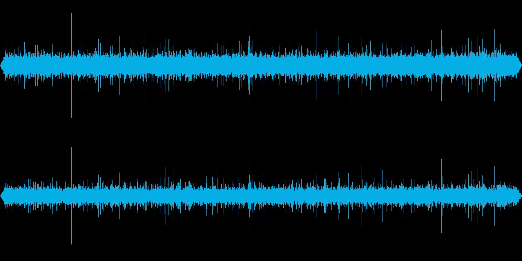 小川の流れる音 の再生済みの波形