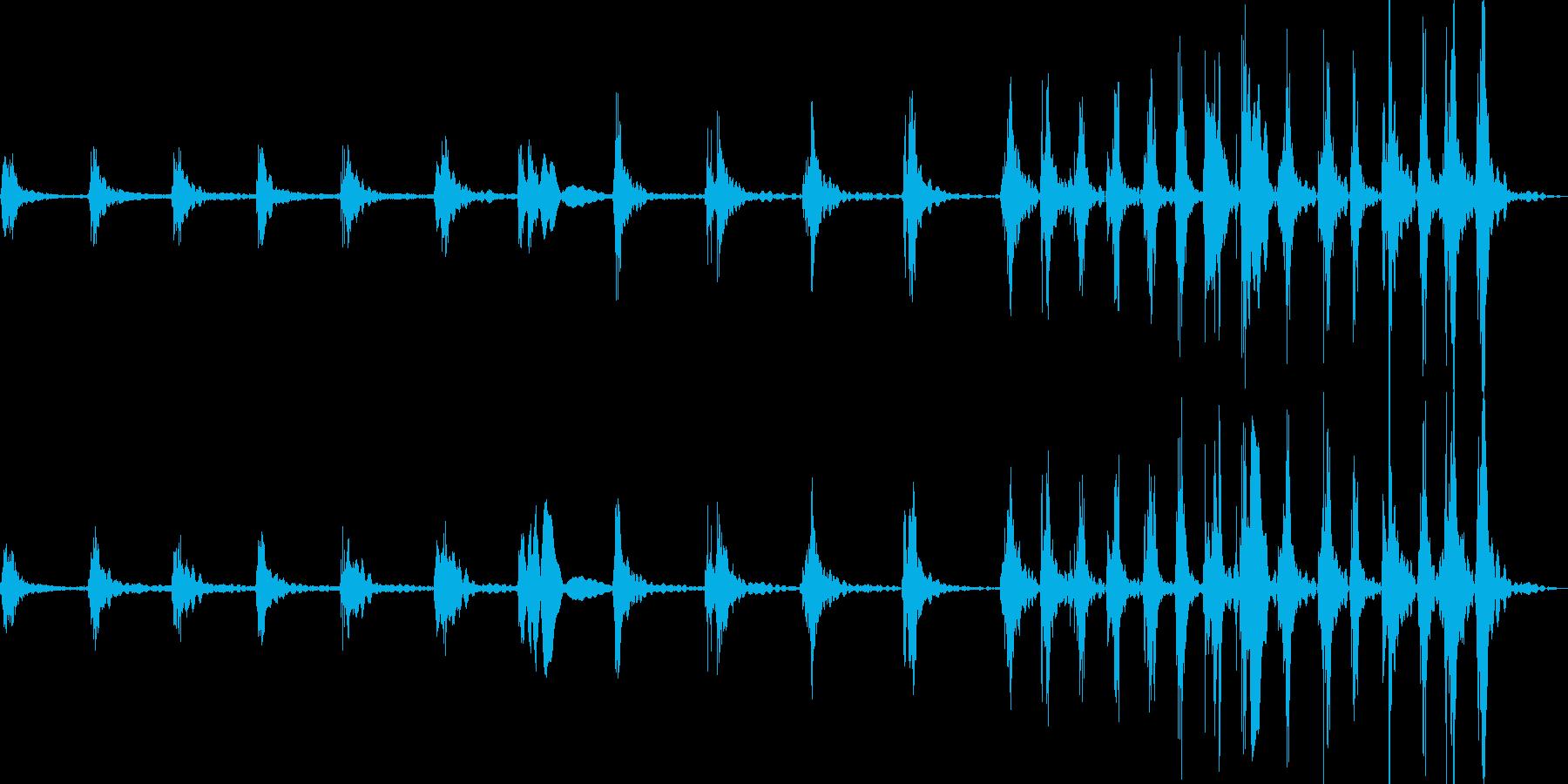 ひたひたと何かが近づく足音の再生済みの波形