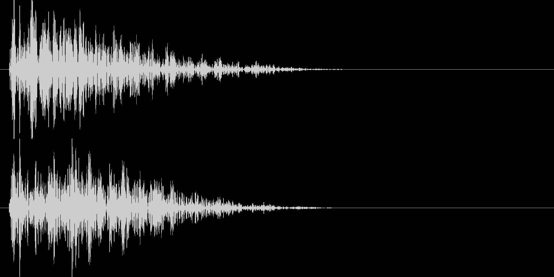 ドゥーン、、ジリジリジリ(地響き)の未再生の波形
