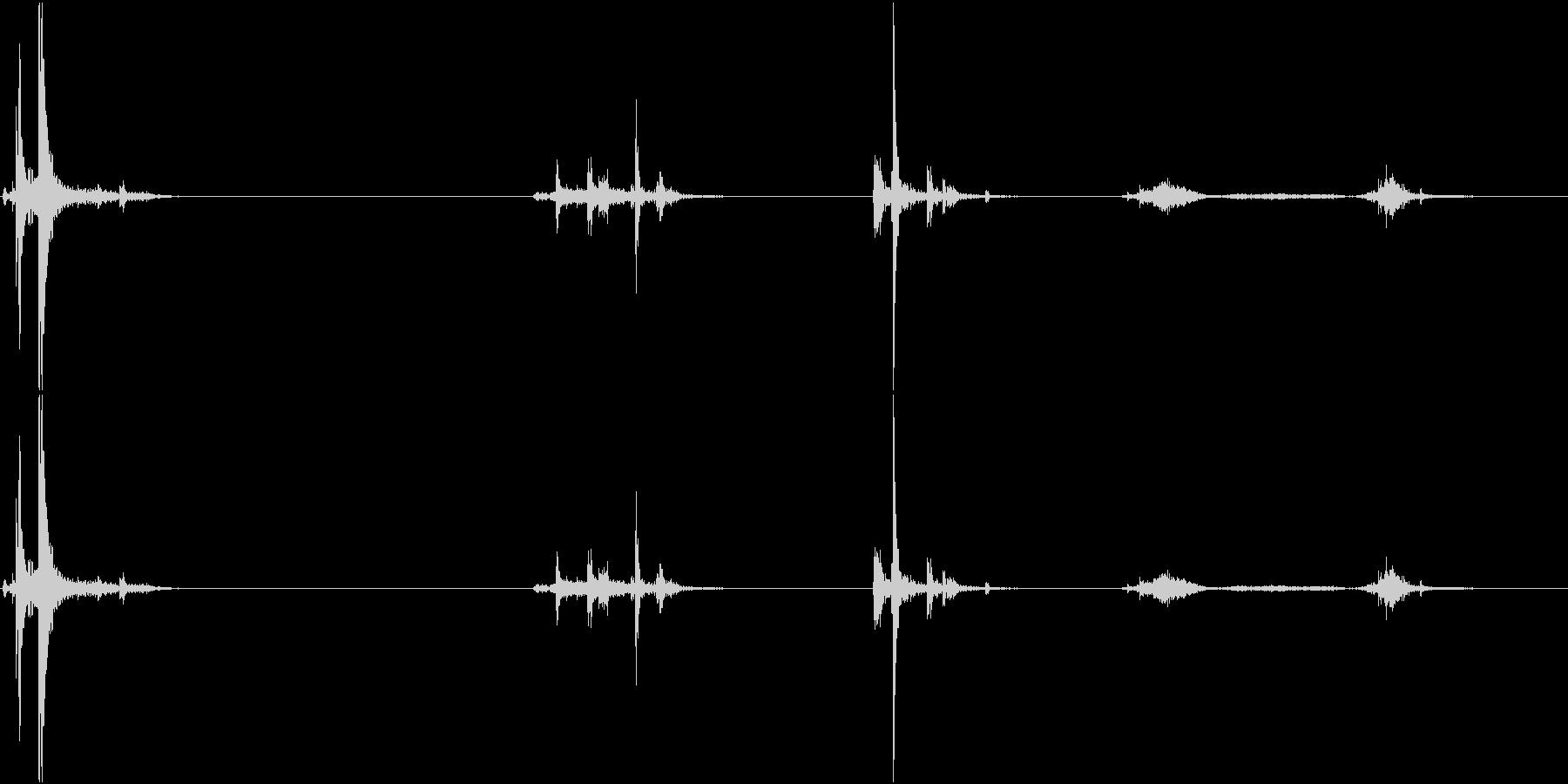 キュッキュッ(水筒の蓋を閉める音)2の未再生の波形