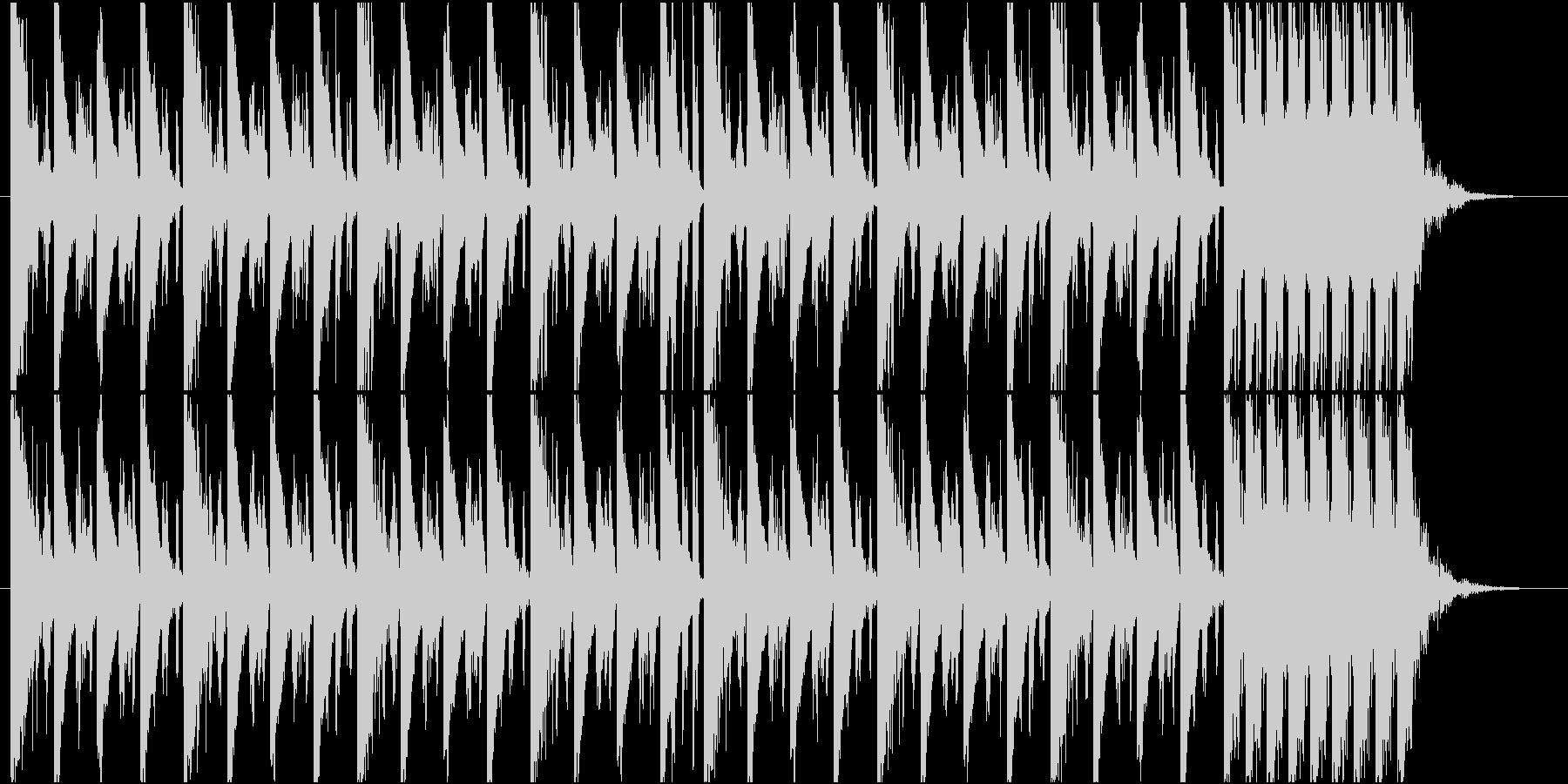 夜っぽい4つ打ちビートBGMの未再生の波形