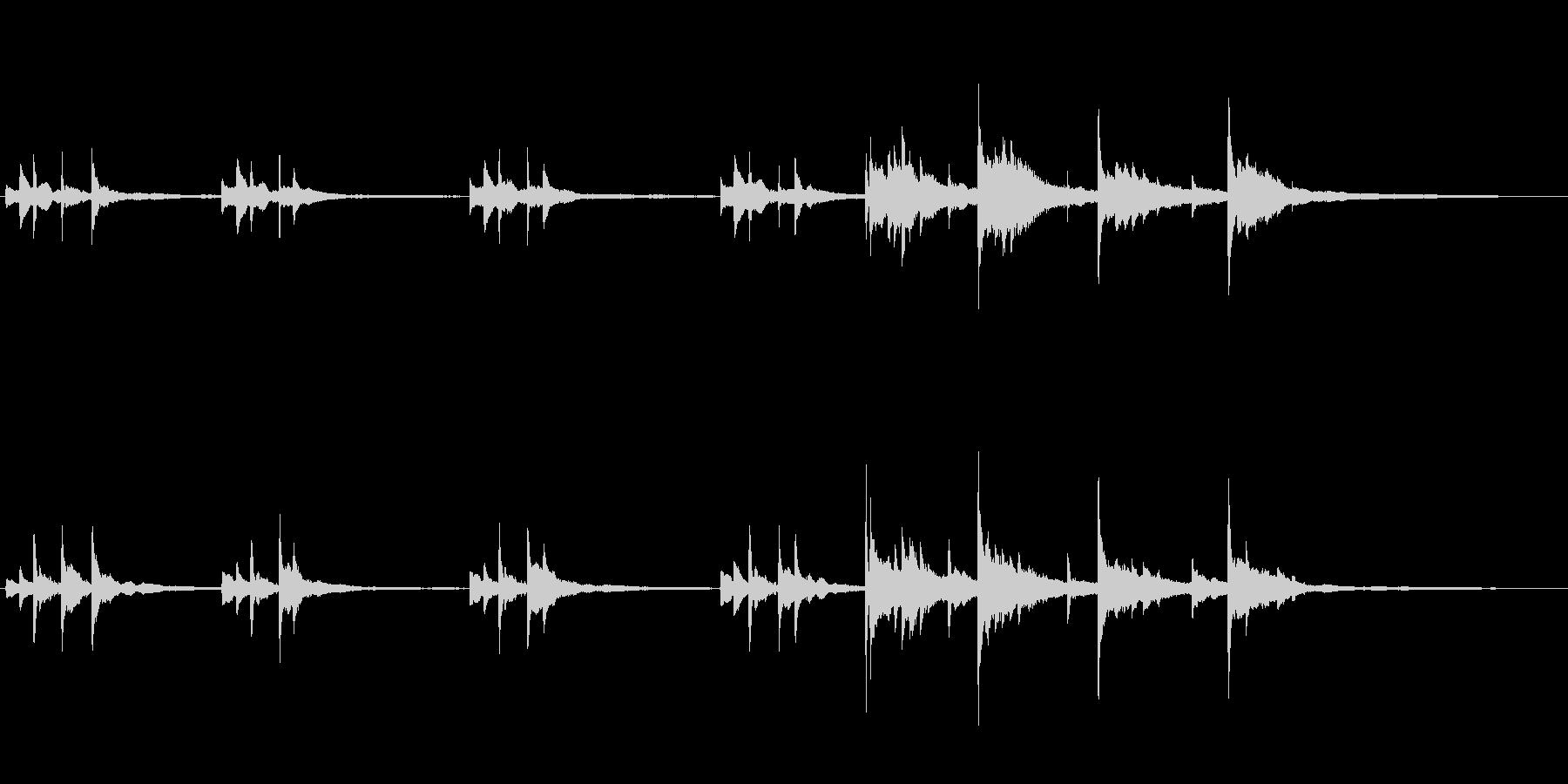 切ないピアノソロ(後半は強め)の未再生の波形