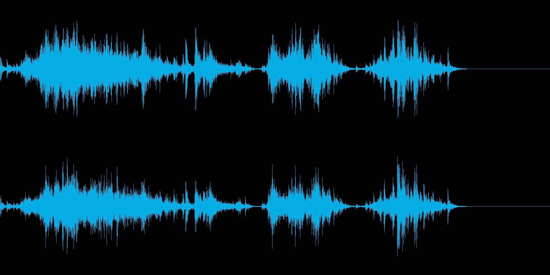 ククーラーボックスから氷を取る音の再生済みの波形