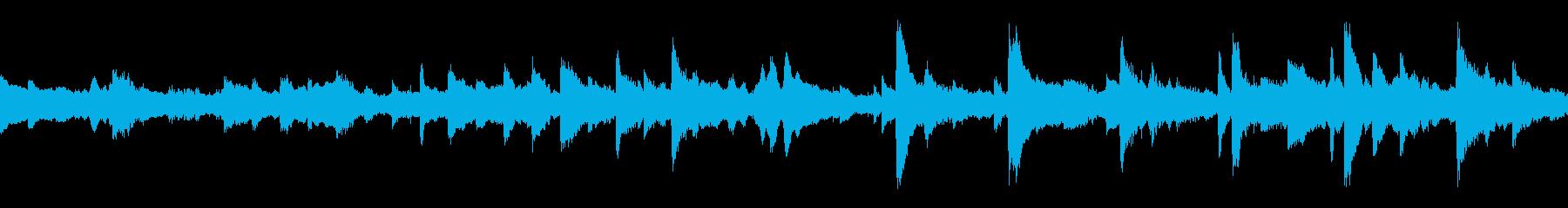 ピアノ、エスニックパーカッション、...の再生済みの波形