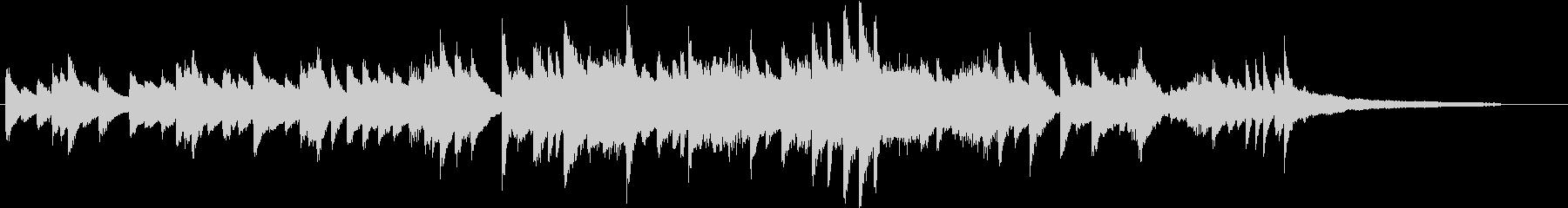 澄み渡る和音のメロディアスピアノジングルの未再生の波形