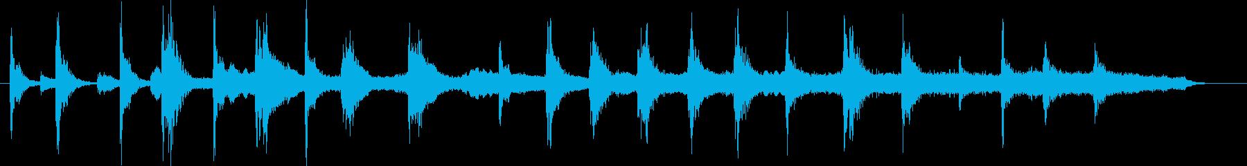 不気味かつ緊迫した場面のストリングス小曲の再生済みの波形