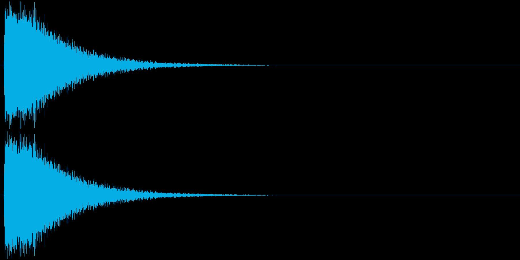派手なレーザー発射 ピシューン 砲撃 の再生済みの波形