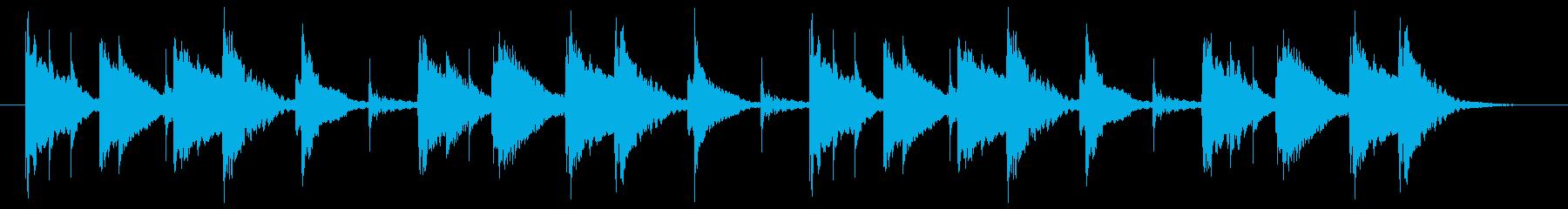 リズミカルな太鼓と木琴のポップなジングルの再生済みの波形