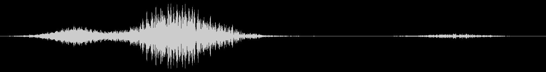 風と空気のうなり音の変化と脈動の未再生の波形