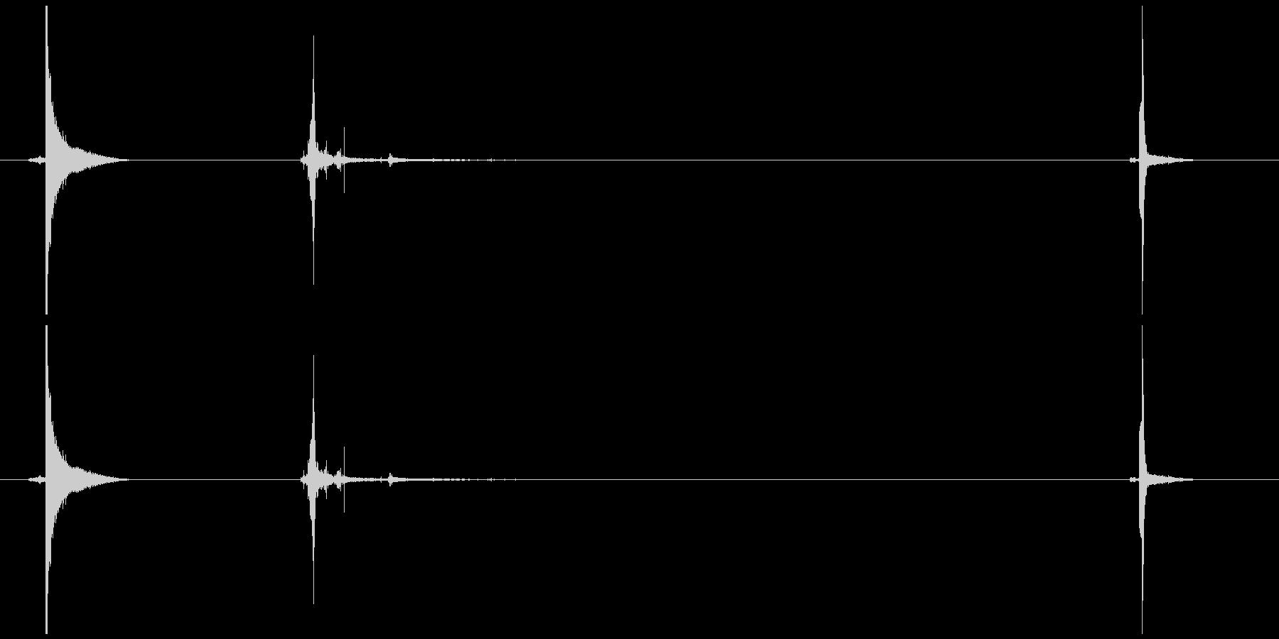 ライターのふたを開け火をつけ閉めるの未再生の波形